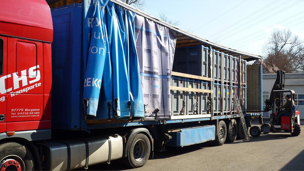 Sachs Transporte - Verladung der REKO Boxen